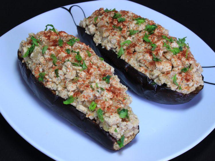 Berenjenas Rellenas de Tofu y Pera con Canela