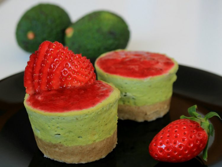 Pastel de Aguacate Fit en Microondas (estilo cheesecake)