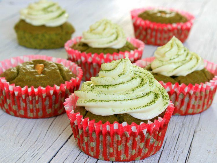 Cupcakes Fit de Té Verde Matcha y Cacahuete