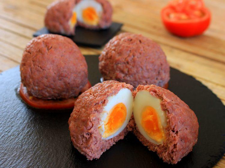 Huevos Escoceses Fit (albóndigas rellenas de huevo al horno)