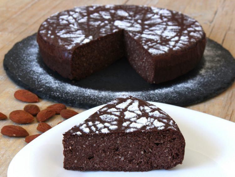 Torta Caprese de Chocolate y Almendras Fit (pastel sin harina y sin azúcar)